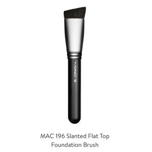 Mac Cosmetics Slanted Foundation Brush Flat Top